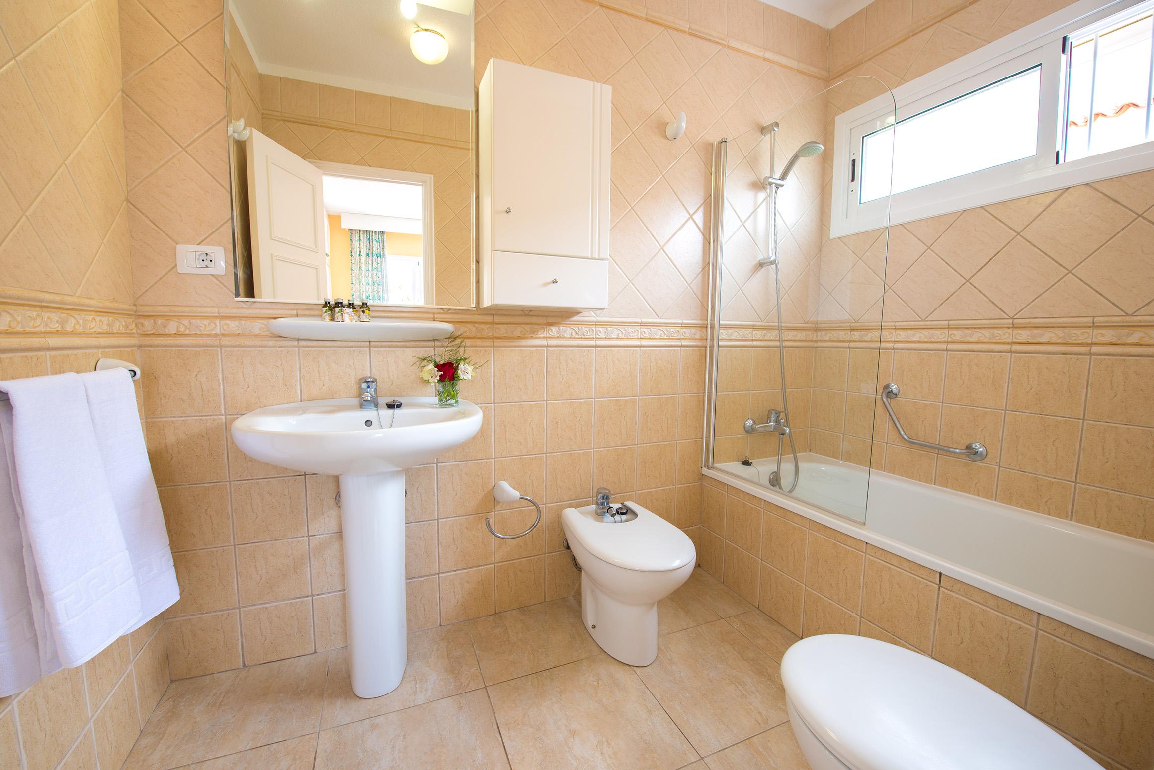 Sueño Azul Bathroom